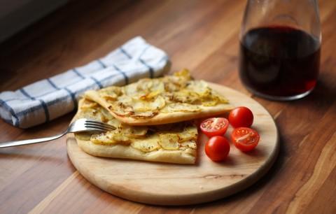 Focaccia mit Kartoffeln und Zwiebeln (© Redaktion - Portanapoli.com)