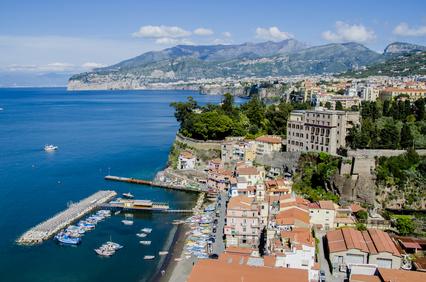 Sorrent ist ein idealer Reisestandort für die Besichtigung des Golfs von Neapel (© Goran Bogicevic - Fotolia.com)