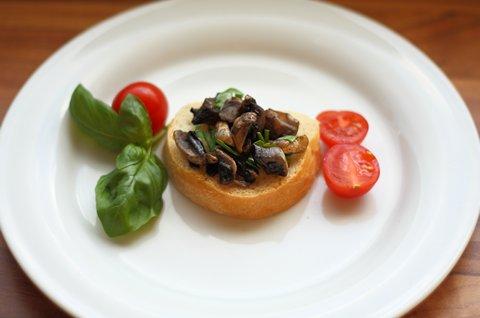 Crostini mit Champignons (© Redaktion - Portanapoli.com)