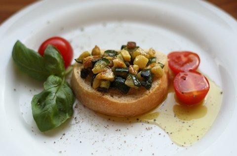 Crostini mit Zucchini (© Redaktion - Portanapoli.com)