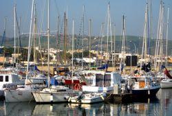 Hafen von Santa Marinella (© Redaktion - Portanapoli.com)