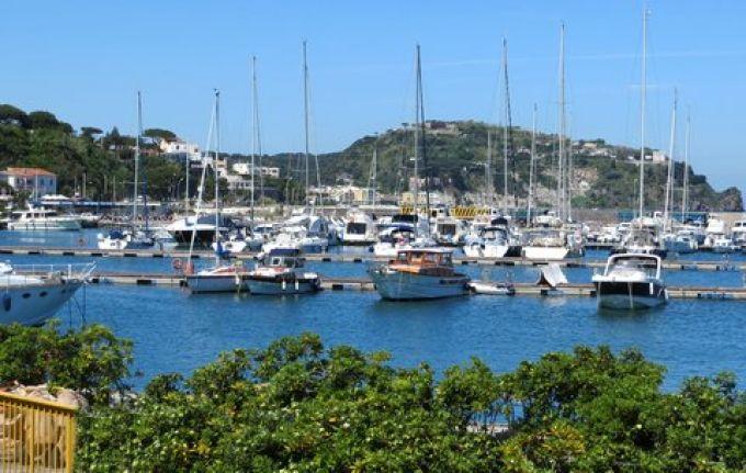 Hafen von Casamicciola auf Ischia (© Francesca - Portanapoli.com)