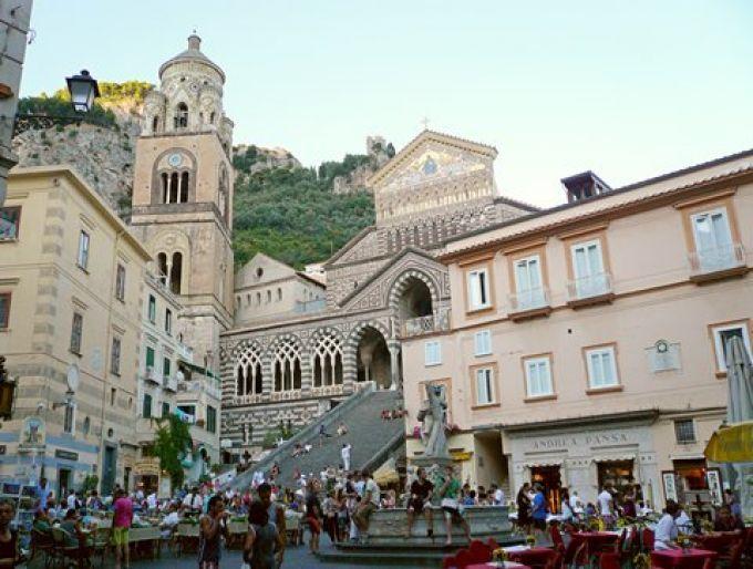 Der Domplatz ist das Herz von Amalfi (© Umberto - Portanapoli.com)