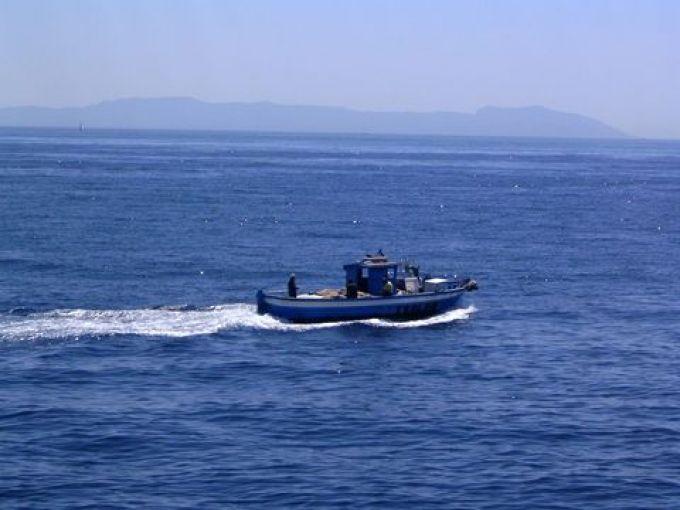Fischerboot im tyrrhenischen Meer (© Redaktion - Portanapoli.com)
