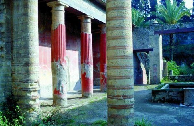 Typisches Haus mit Atrium in den archäologischen Ausgrabungen von Herculaneum (© Vito Arcomano - Fototeca ENIT)