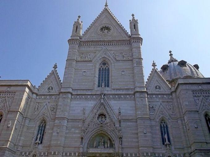 Im Dom San Gennaro in Neapel wird die Messe für das Blutwunder gefeiert (© Umberto - Portanapoli.com)