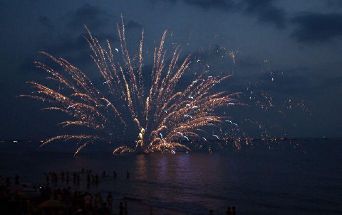 Italienische Feste werden oft von einem Feuerwerk begleitet (© Paolo C. - Portanapoli.com)