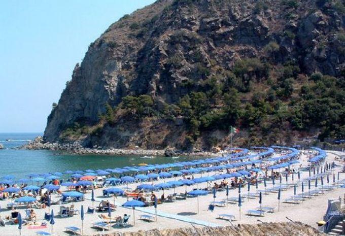 Die Schonsten Badestrande Auf Der Insel Ischia Golf Von Neapel