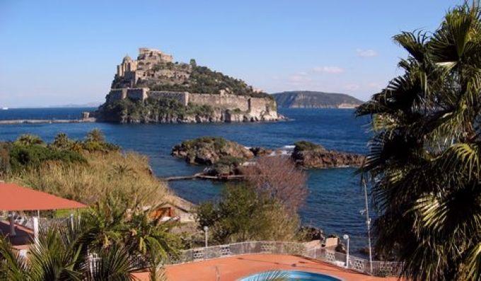 Szenen aus dem Film Cleopatra wurden im Castello Aragonese gedreht (© Redaktion - Portanapoli.com)