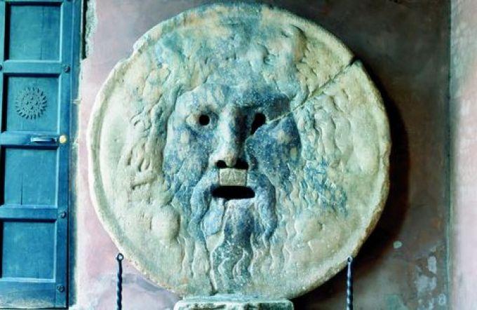 Der Mund der Wahrheit an der Kirche Santa Maria in Cosmedin (© V. Arcomano - Fototeca ENIT)
