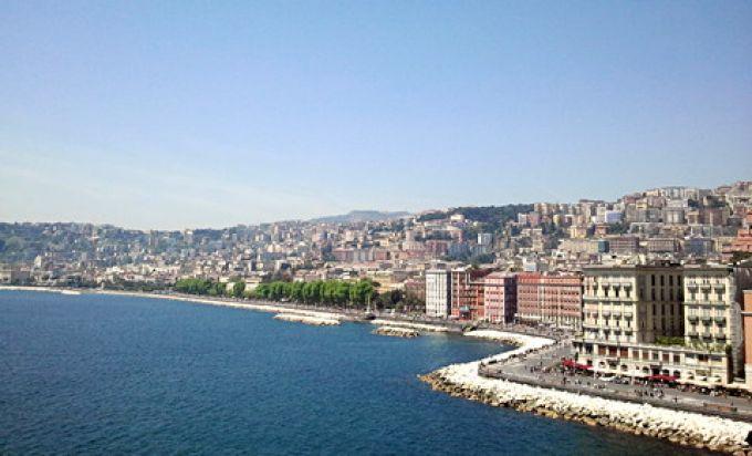 Die Uferstraße von Neapel ist sehr lang (© Bruno - Portanapoli.com)