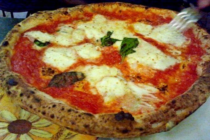 Pizza Margherita aus Neapel (© Redaktion Portanapoli)