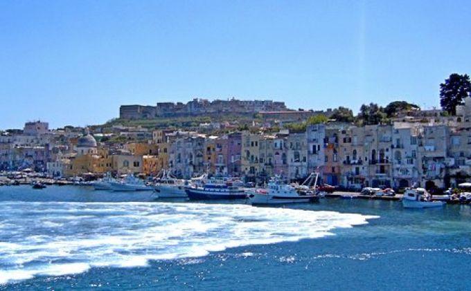 Ein herrlicher Empfang am Hafen Marina Grande (© Redaktion - Portanapoli.com)