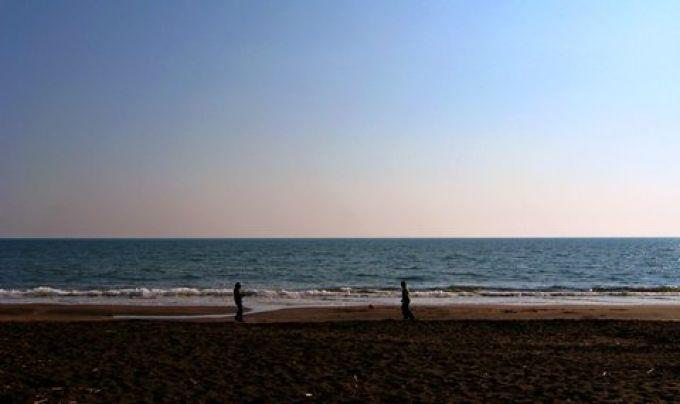 Fußballspiel am Strand (© Redaktion - Portanapoli.com)