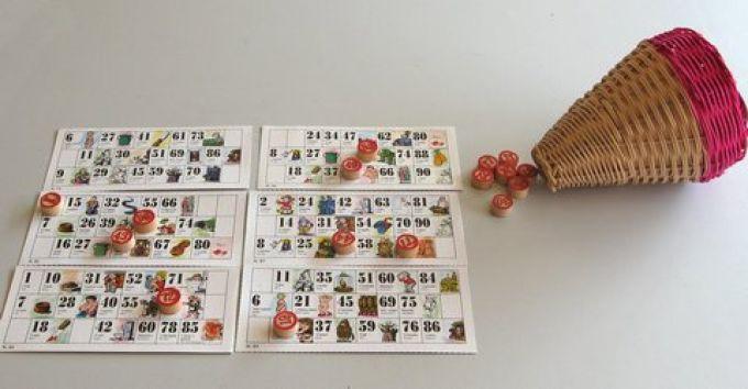 Tombolaspiel aus Neapel. Jeder Zahl entspricht ein Symbol, genau wie im Lotto. (© Redaktion Portanapoli.com)