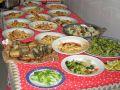 Zubereitung des Weihnachtsmenüs am 24. Dezember in Neapel. Pasta mit Scampi, frittierter Aal, Blumenkohlsalat und Broccoli  (© Redaktion - Portanapoli.com)