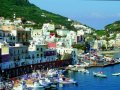 Vom Hafen gibt es herrliche Bootstouren (© Vito Arcomano - Fototeca ENIT)