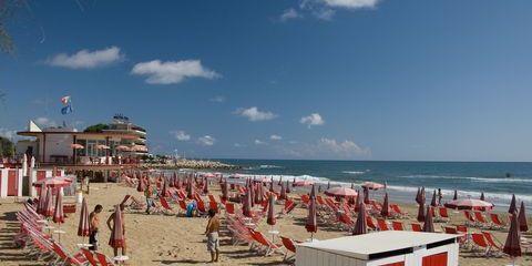 Auch der Strand von Terracina hat eine Bandiera Blu  (©Sandro Bedessi - Fototeca ENIT)